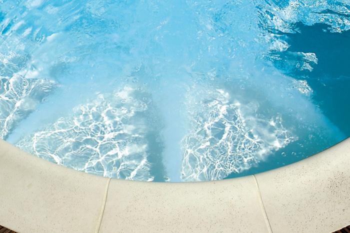 Bazén s protiproudem