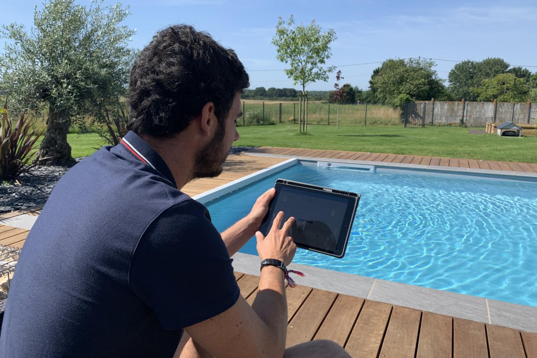 Inteligentní ovládání bazénu